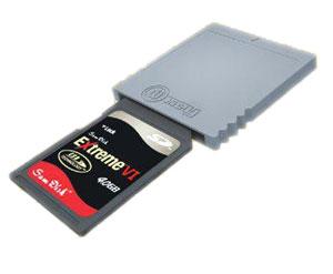 WiiKey SD Adapter - Este adaptador permite ejecuctar en Wii y GC software homebrew (reproductor multimedia, dvd dumper, emuladores, ...) directamente desde una tarjeta SD a través del puerto GC de memoria. Para poder utilizar este producto es necesario tener un mod instalado y un mando de GC.