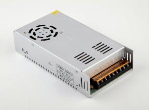Transformador-Fuente de Alimentacion/Alimentador AC a DC de 220 a 12v 40 Amperios- 480W - Transformador-Fuente de Alimentacion/Alimentador AC a DC de 220 a 12v 40 Amperios- 480W Convertidor/Alimentador de 220v a 12v 5 Amp 480W. Valido para Alimentacion Driver para Tiras de Led de 12 voltios de 480W de potencia. Con ventilador para refrigerar mejor la fuente, que se enciende automaticamente segun la temperatura a la que esta la fuente.
