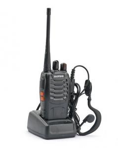 Walkie talkie Baofeng BF-888S con Pinganillo Auricular  - Walkie talkie baofeng BF-888S, es un modelo economico pero de construccion robusta y de prestaciones sorprendente para su bajo precio, de color negro Ideal para la caza, pesca, montañismo, vigilancia del medio ambiente, radioaficionados, comunicación entre dos casas o entre dos vehículos, seguridad, almacenes, supermercados, y cualquier actividad que requiera comunicaciones a distancia con calidad.