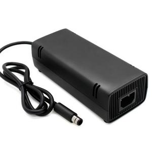 Fuente de alimentación compatible para  XBOX 360 E / 360E -  Fuente de alimentación compatible para xbox360 E   Si tu fuente se ha estropeado o perdido, esta fuente es valida para reemplazar la fuente de la consola Xbox E