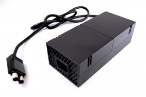 Fuente de alimentación compatible para  XBOX One  -  Fuente de alimentación compatible para  XBOX One  Si tu fuente se ha estropeado o perdido, esta fuente es valida para reemplazar la fuente de la consola Xbox one