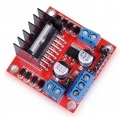 Controlador de motores PAP doble puente H con L298  - Éste controlador permite controlar hasta 2 potentes motores de corriente contínua  paso a paso de forma  sencilla y eficaz. El controlador permite controlar el sentido de giro y velocidad mediante señales TTL que podrás sacar de tu microcontrolador favorito como por ejemplo Arduino. Cada puente está separado y dispone de indicadores LED de funcionamiento. Ideal para montar tu robot!